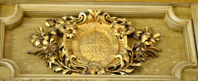 Coat of arms above Ante Room door