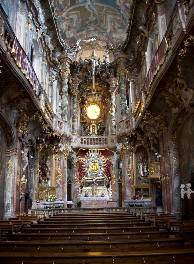 St._Johann_Nepomuk_-_Inside_(München)